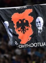 Crveno-crna krpa, bikovi i hattrick nacionalizma